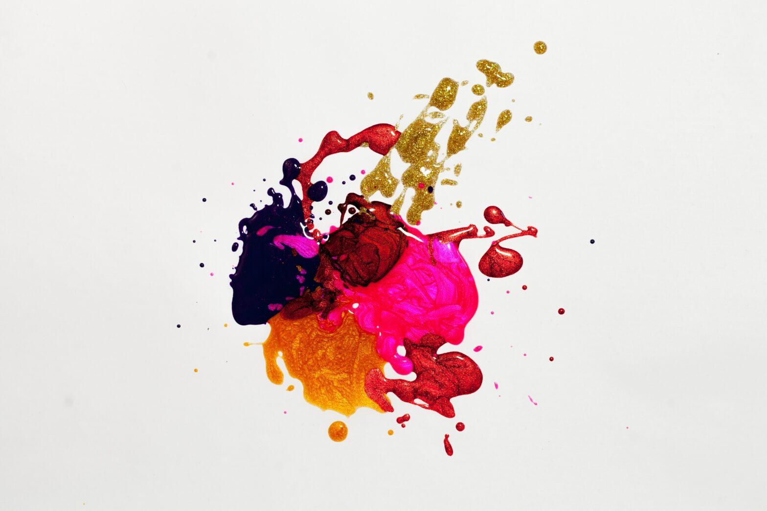 Kalkkimaali eli chalk paint on kalkkimaisen pinnan kalusteille jättävä erikoismaali.